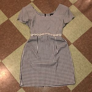 Vtg 90s UO Gingham daisy mini dress sm